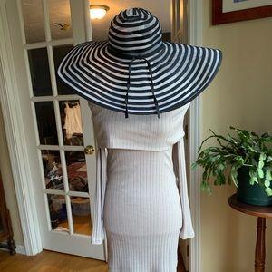 Charming Charlie Floppy hat